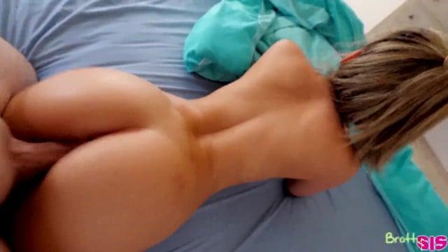 dildo porno tits dersi fitnes lezdom swinger cowgirl sparks swedish rayne