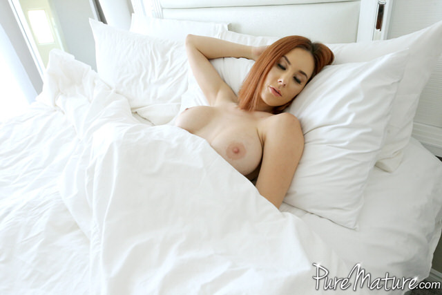 Sleeping Lessons with big boobs Beauty
